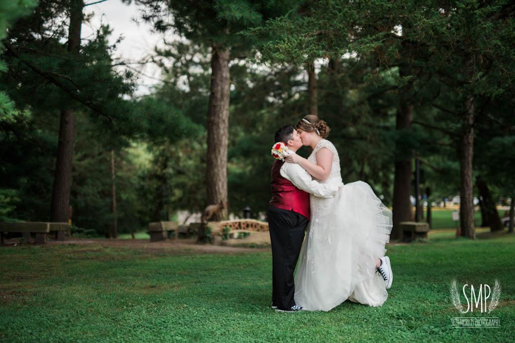 harry-potter-lesbian-starved-rock-wedding-photographer-51.jpg
