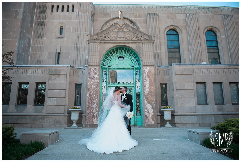 chicago-wedding-pictures-del-strada-hotel-allegro-77.jpg