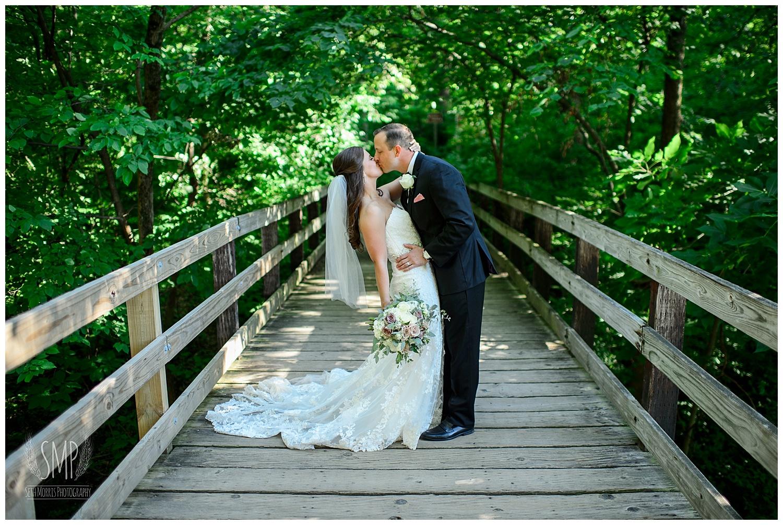summer-starved-rock-lodge-wedding-pictures-114.jpg