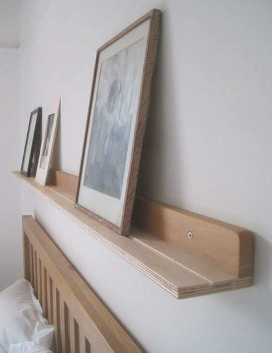 Picture shelf - simple 'L' bracket