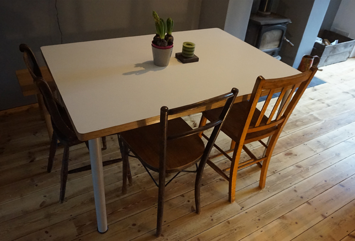 Utilitarian everyday table