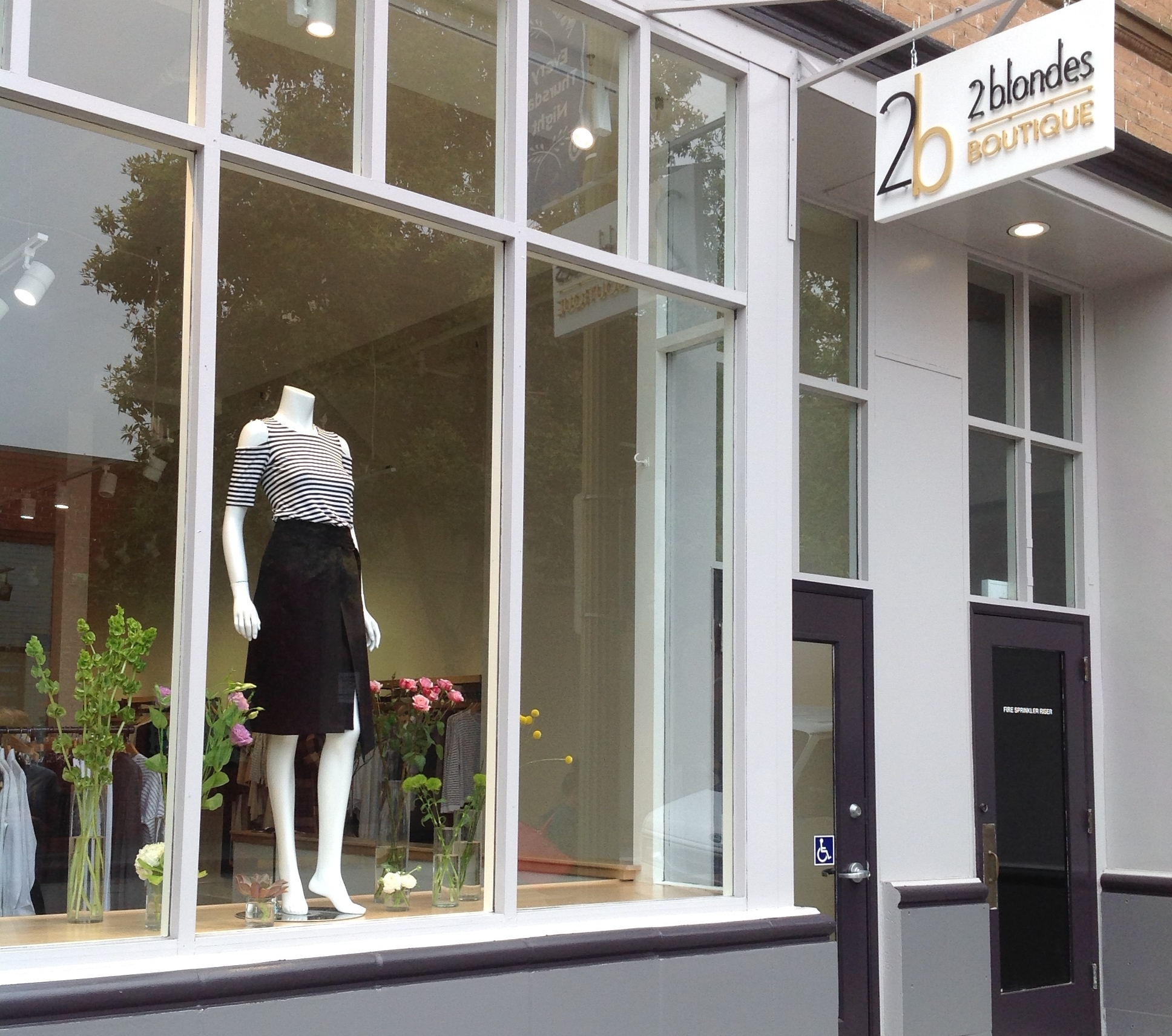 Tenant Improvement, interior remodel for 2 Blondes Boutique in San Luis Obispo, Ca.