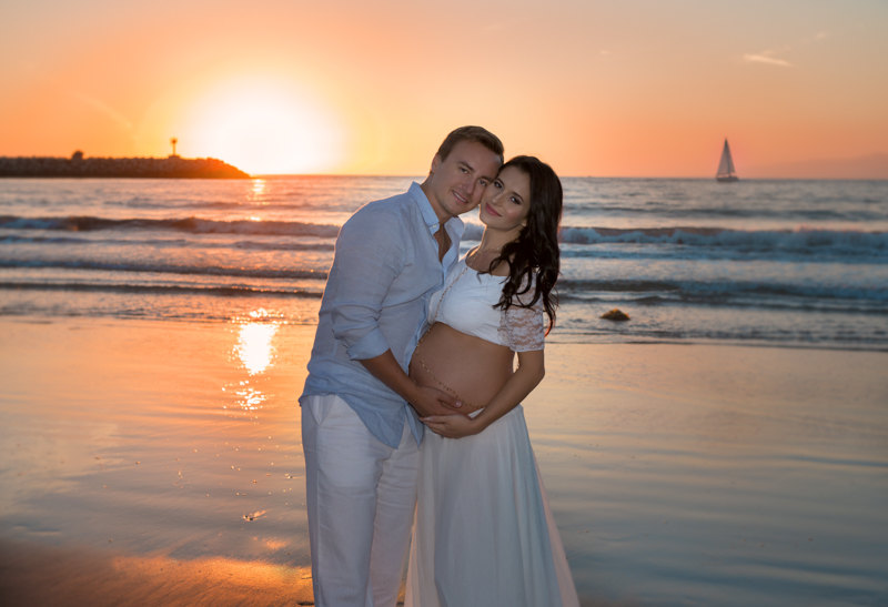 gorgeous sunset for gorgeous Maternity Session. Los Angeles. Marina Del Rey.