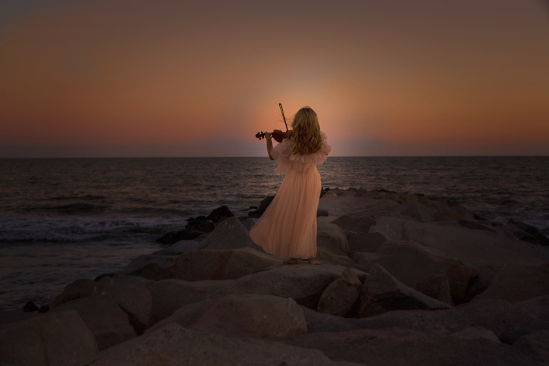 So Magical and Zoya can really play the violin .