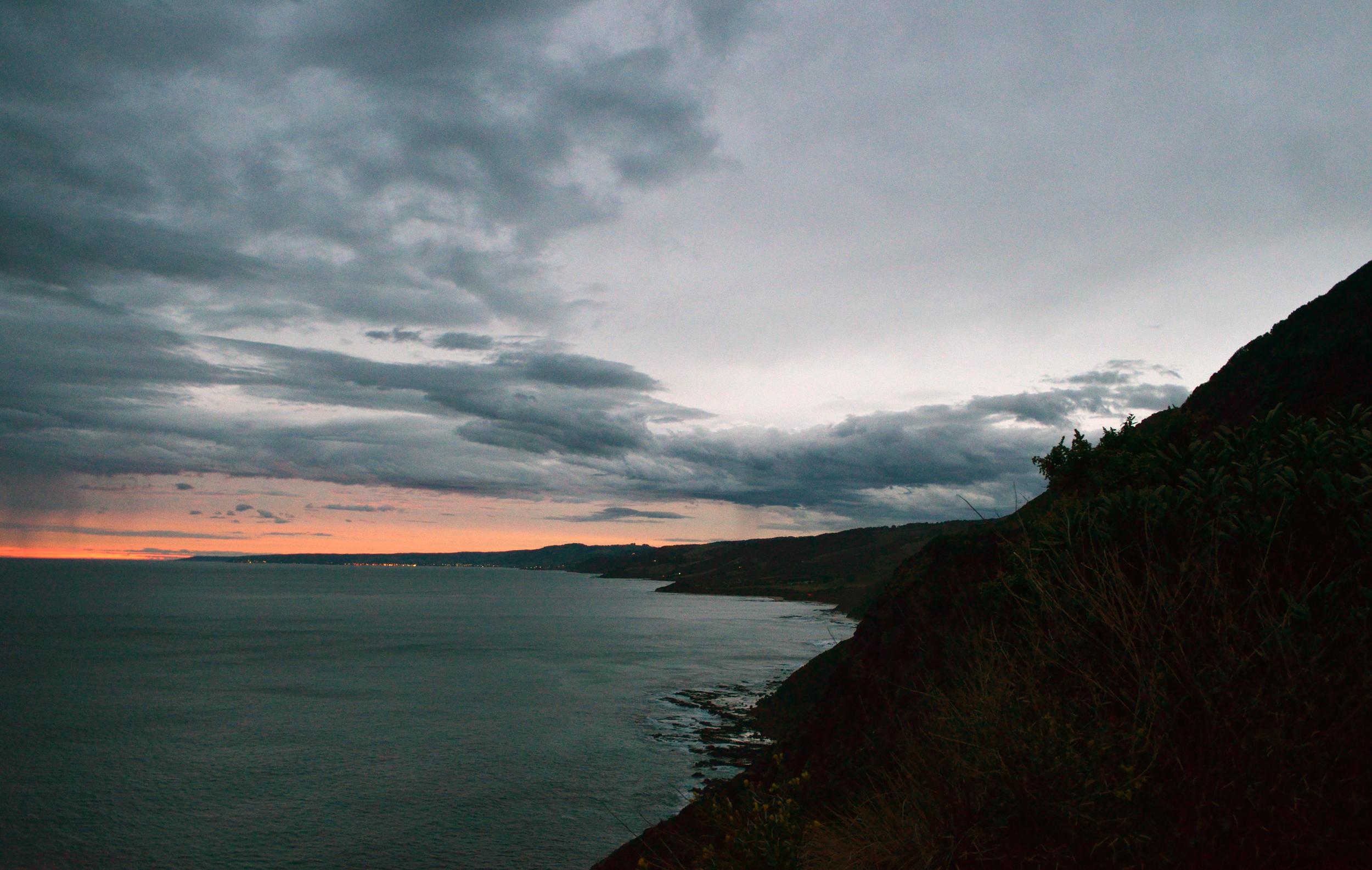 [16] The Great Ocean Road Coastline, Victoria.