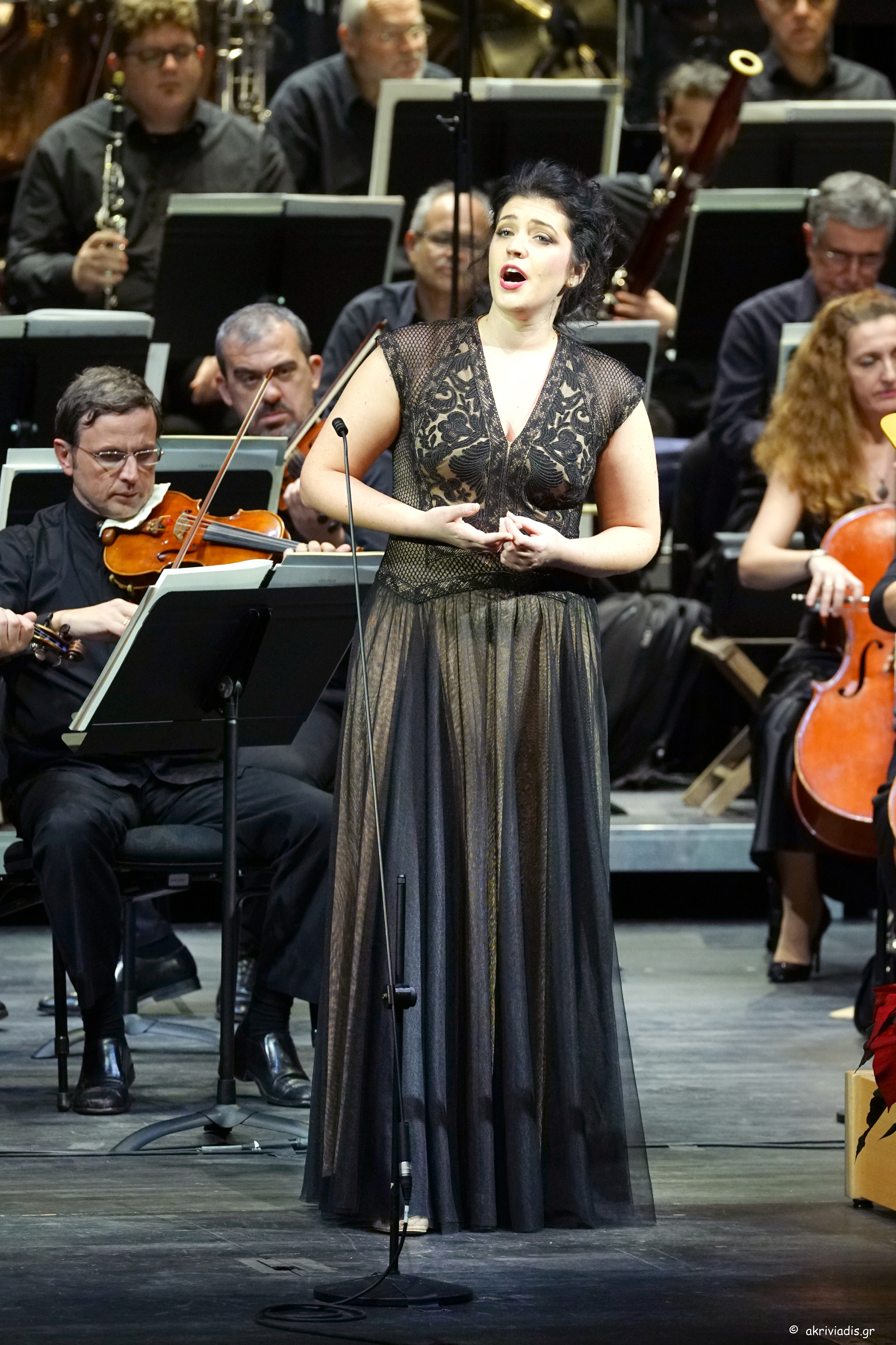 """Shelley Jackson, soprano sang Je dis que rien ne m'epouvante from Carmen so completely, so enticingly, that you just make a mental note that when she does it at the Met you will be there."" -"