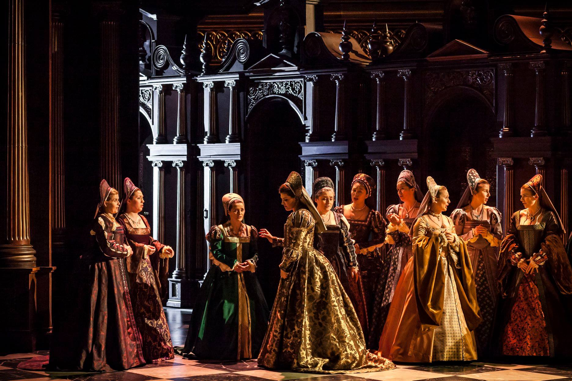 Un timbre de velours, des aigus irréprochables, une virtuosité ductile, un phrasé expressif, de même qu'une présence émouvante et envoûtante…a déployé, pour le plus grand plaisir du public de la première d'Anna Bolena dimanche à l'Opéra de Lausanne, les ailes d'un talent unique. -