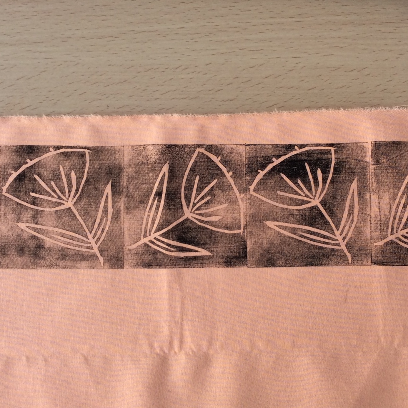 Creating a border print with the flower design