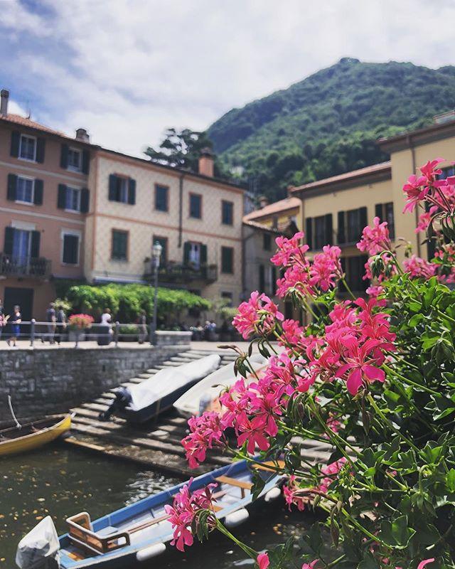 Time to cruise around Lake Como 🙌🏻
