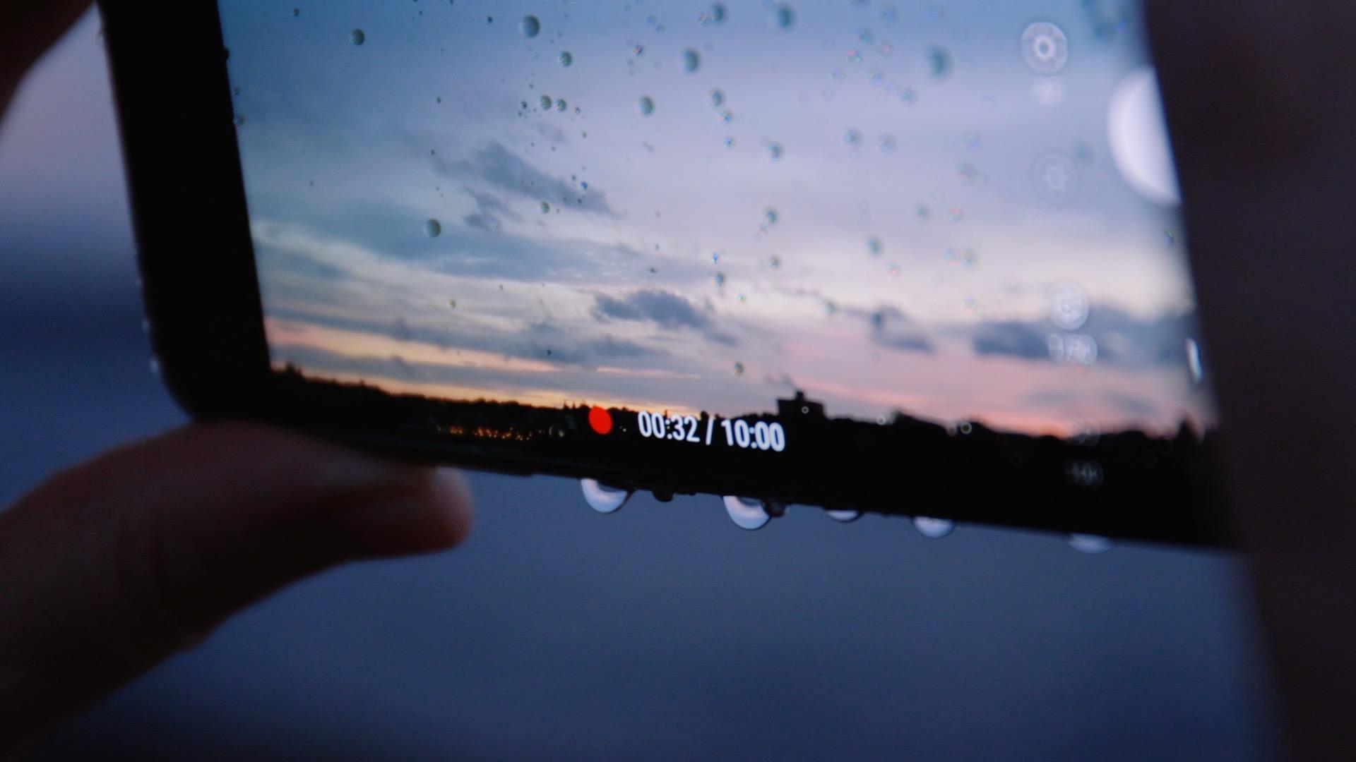 Samsung frames rain 6.jpg