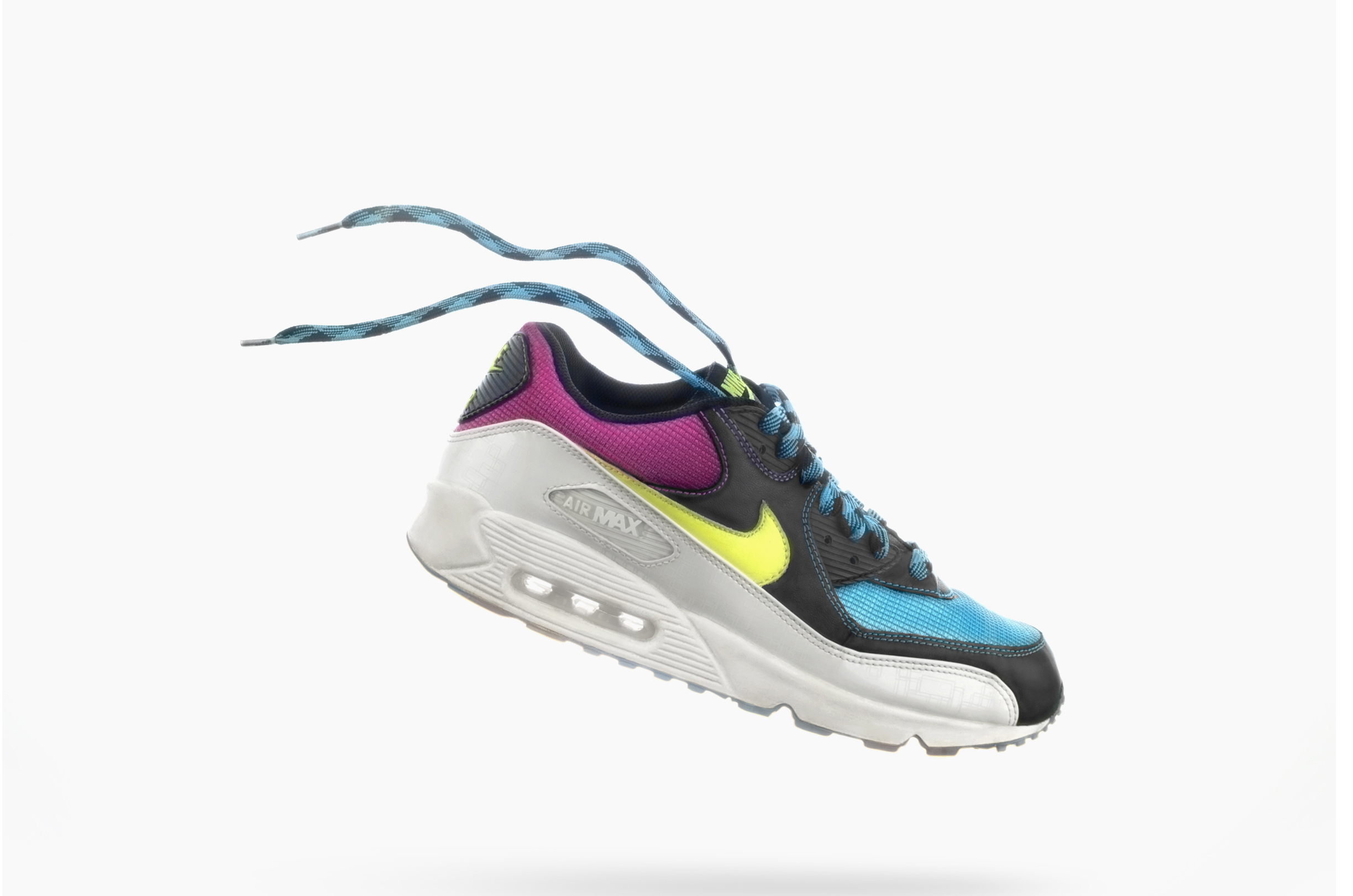 Nike-AIR_MAX_90_NEON_RETOUCH_AFTER.jpg