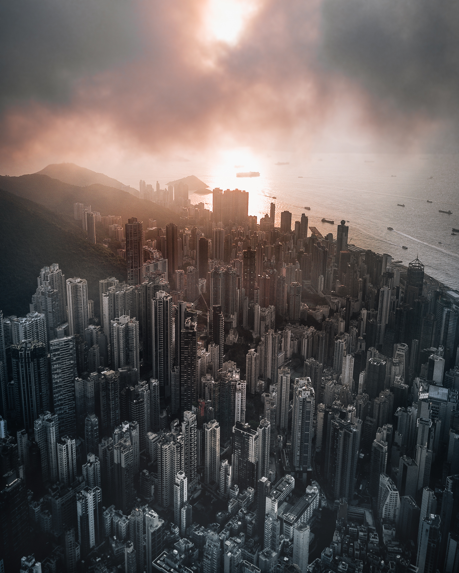 nightsnlights_Above_HongKong04.jpg