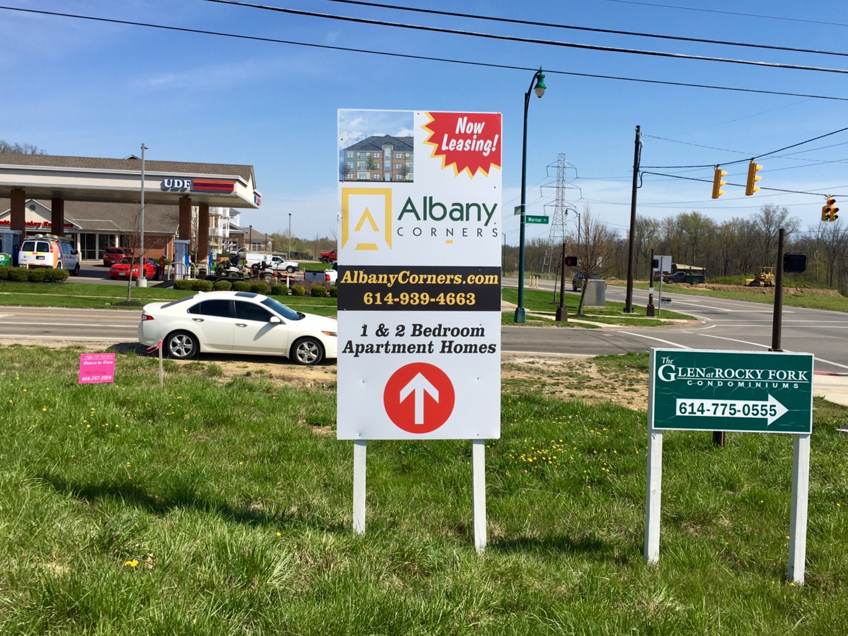 Albany Corner Vertical Marketing Sign