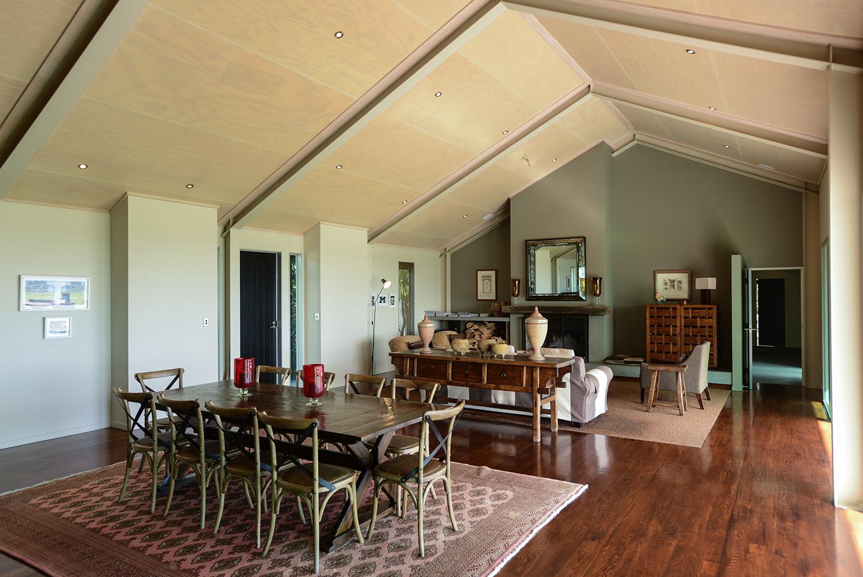 HIGHCLIFF Accommodation - Dining area