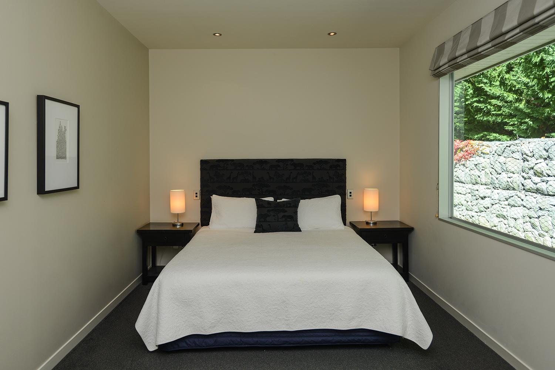 HIGHCLIFF Accommodation - Bedroom 2