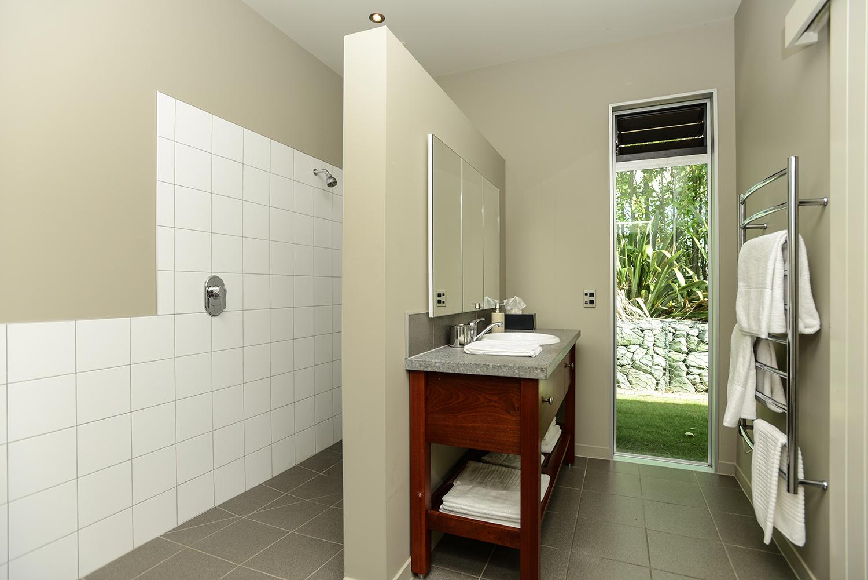 HIGHCLIFF Accommodation - Bathroom 3