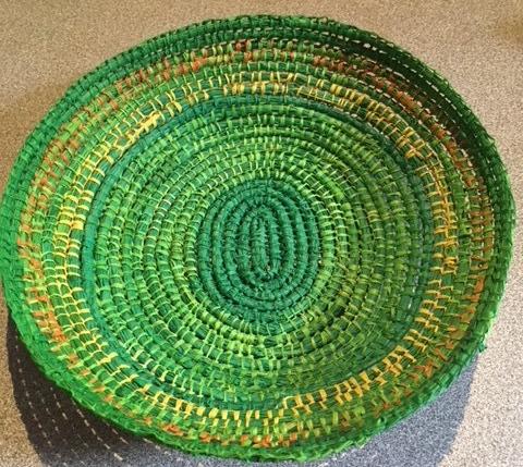 M green round basket.JPG