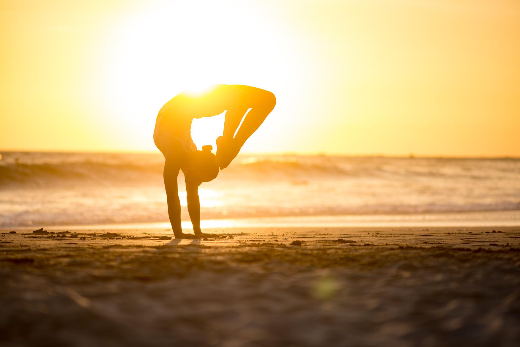 LuanaFara-Vrishchikasana-Yoga-Asana-Sunset-CostaRica