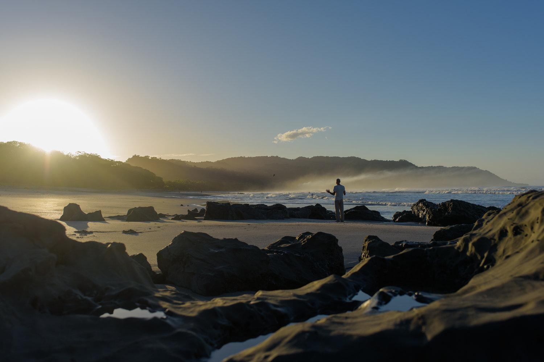 Yoga-sunrise-santateresa-CostaRica-Photography