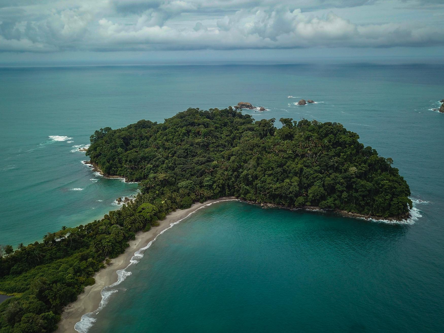 ManuelAntonio-YogaRetreat-Drone-Photography-Costa-Rica