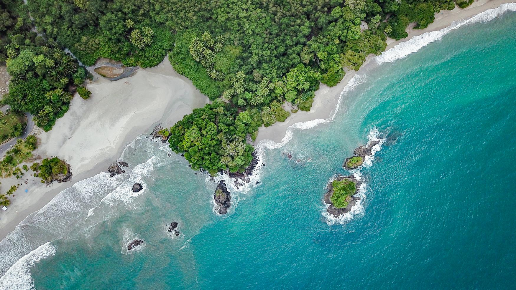 ManuelAntonio-Beach-YogaRetreat-Drone-Photography-Costa-Rica