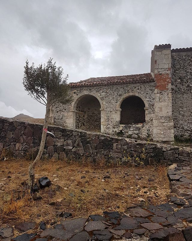 Travelling the north of Sardinia  #old #italy #italia #slowlife #osilo #bellasardegna #sardegna #sardinia #culture #nature #slowtravel