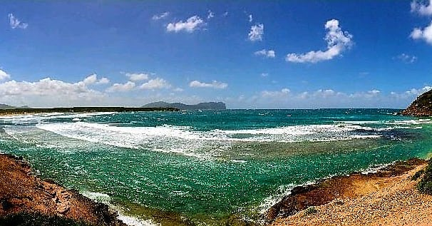 We are ready for summer 2018🙌🏼 #sea #sardinia #italy #travelguide #sardegnaofficial #waves #bestplacesinitaly #nature #panorama #vacation #holiday #hiking #visititaly #smallgrouptours