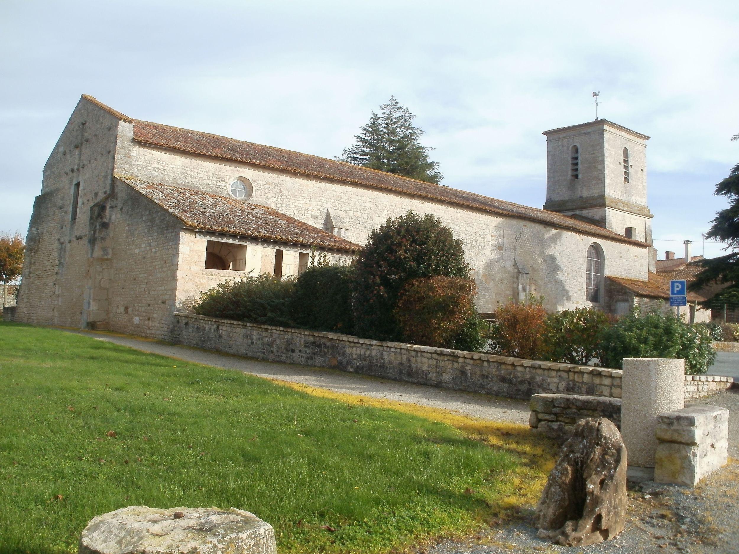 St Peirre 2 Le Langon-min.jpg