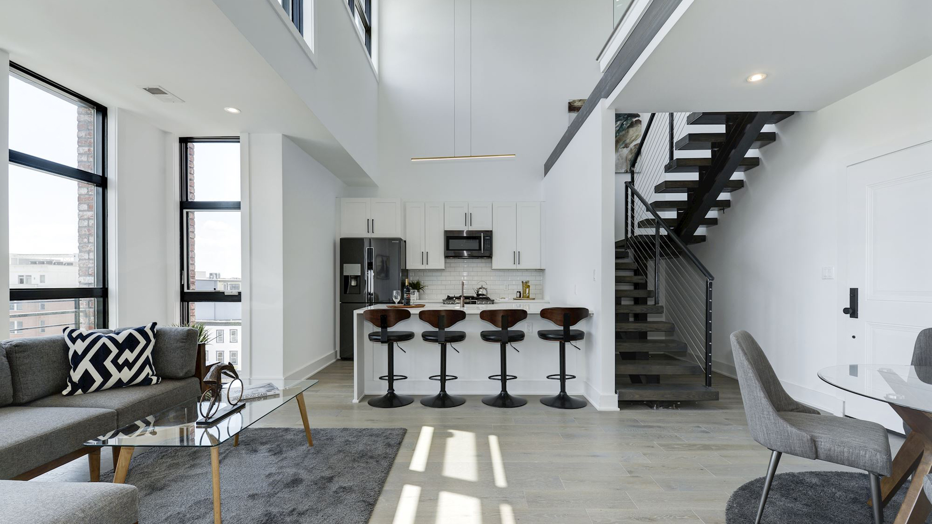 penthouse-kitchen.jpg