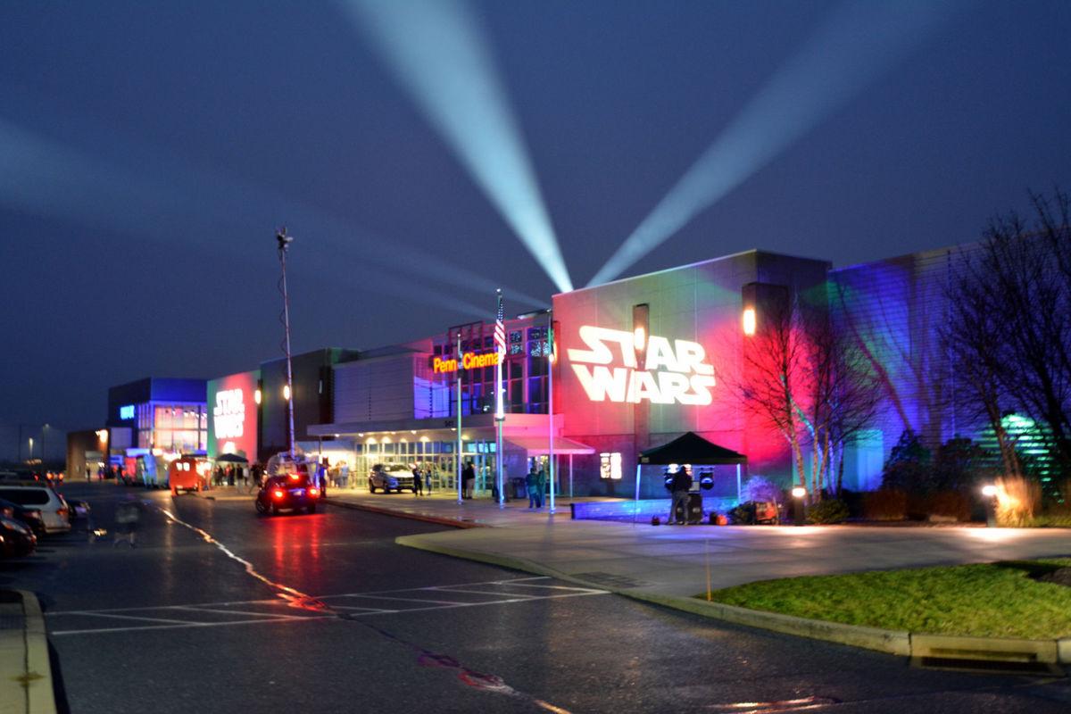 Star Wars The Force Awakens Premier - Penn Cinema.jpg