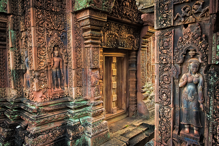 THE INTRICATE DETAILS OF BANTEAY SREI TEMPLE OUTSIDE OF SIEM REAP, CAMBODIA