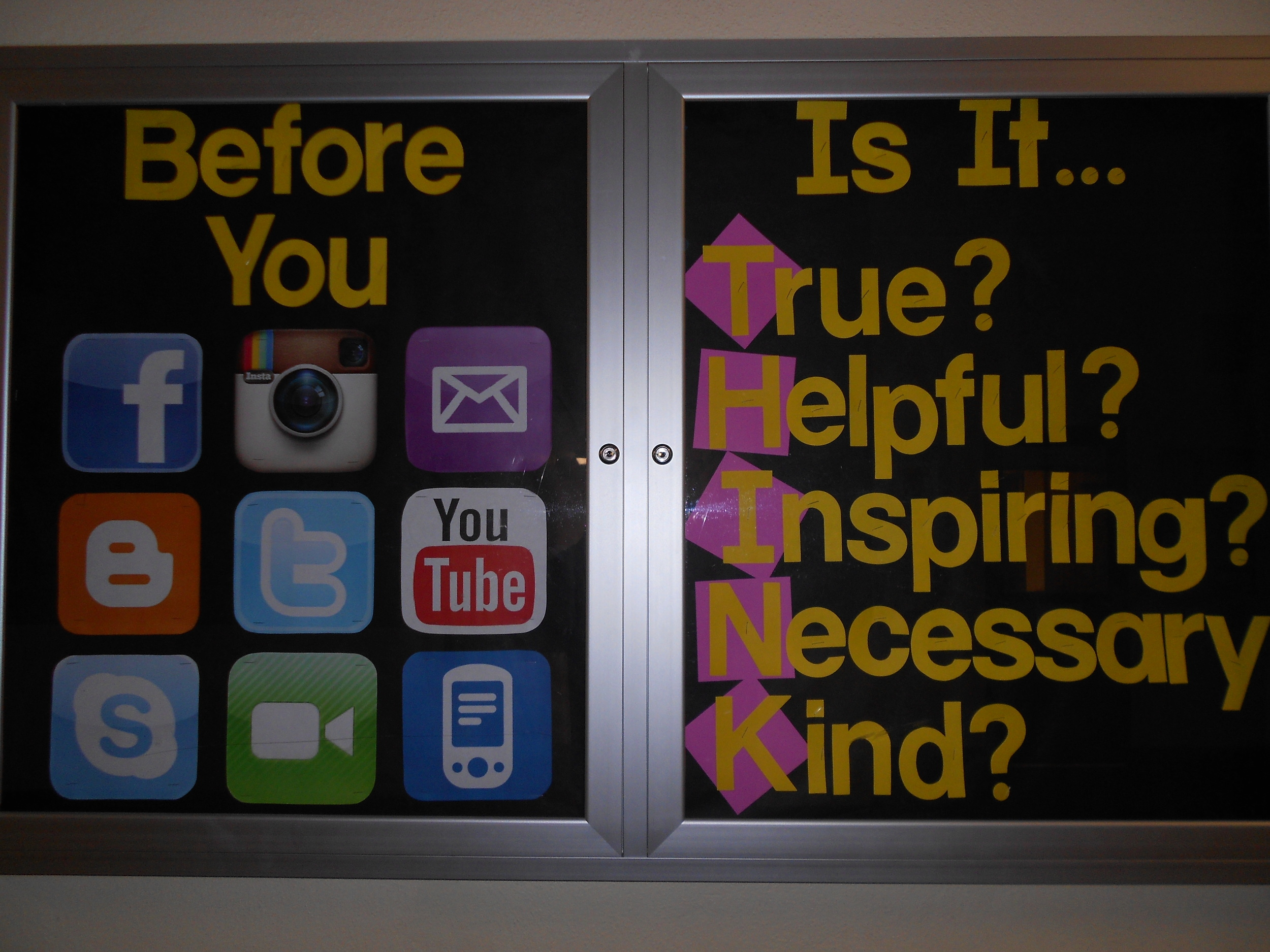 Rachel Kern shares great bulletin board ideas! Check out her blog site: Kern's Counselor Corner