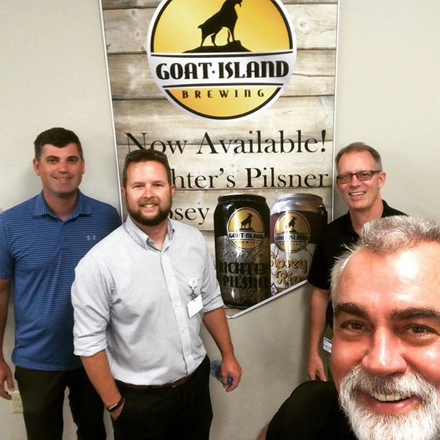 Sunshine State here we come! We are proud to announce that we are now selling Goat Island Beer in Florida 🌞🍻 • • • • • #florida #goatislandbrewing #lookforourbeer #proudtoannounce #sunshinestate #brewery #local #beer #alabamaandflorida #tryourbeer