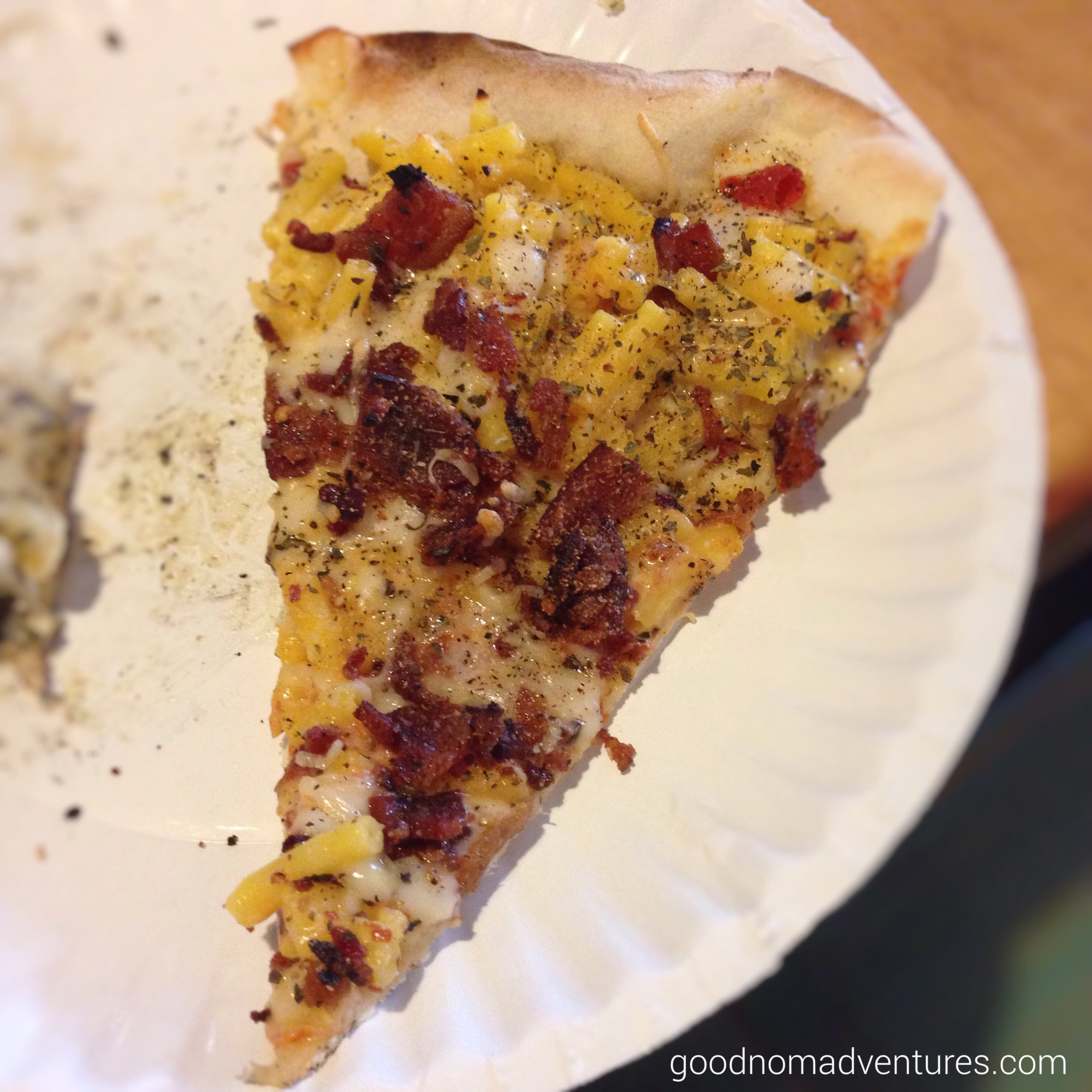 Bacon and mac and cheese heaven on a slice