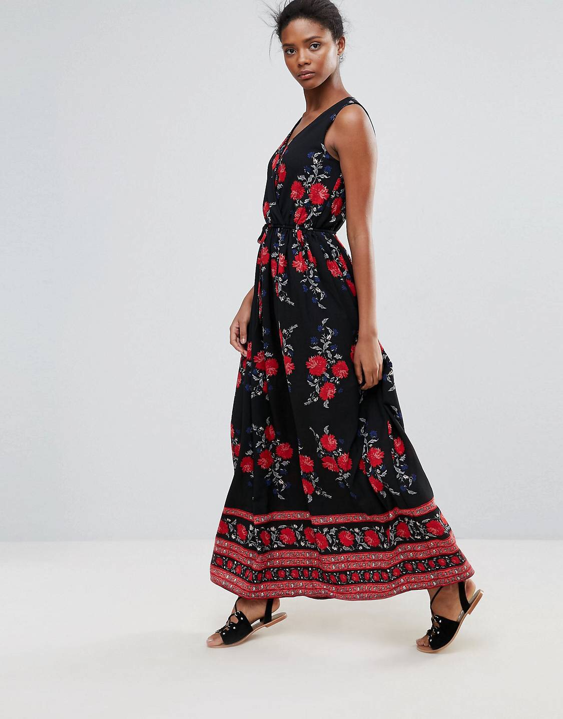 £24 Parisian Printed Maxi Dress - Know someone going on holiday soon? Gift them this and tell em to skip down the cobblestone street with their fruit basket and straw hat like the Tuscan beauty they are.