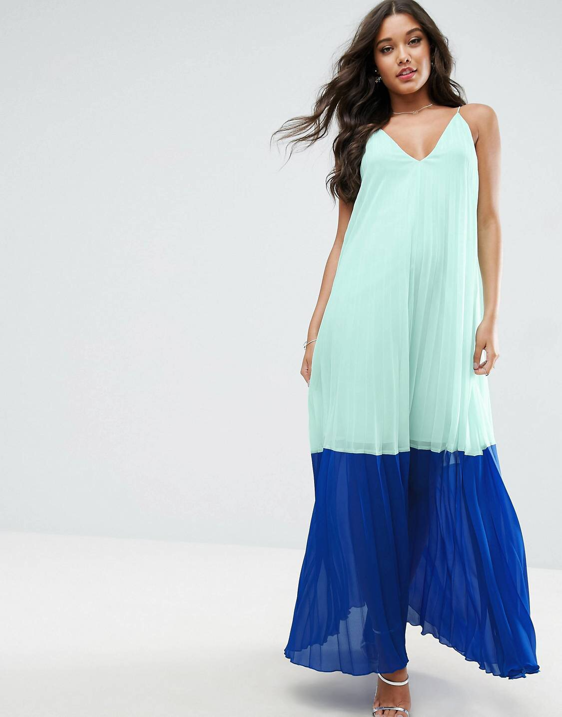 £29 ASOS Colour Block - A lil higher priced and it has to be layered but it's the perfect dress for sisters of all ages.