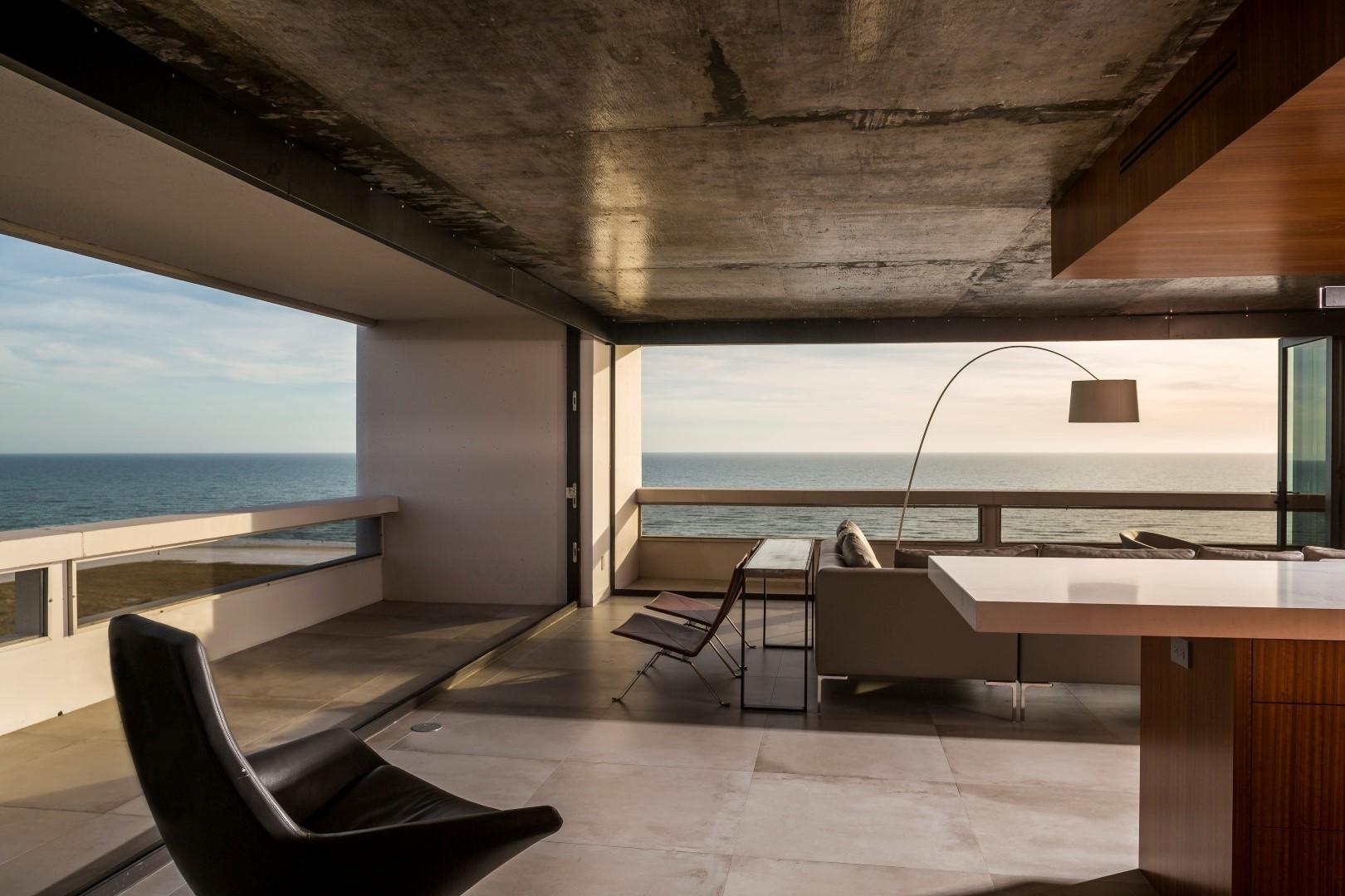 terrace fl 15-2.jpg