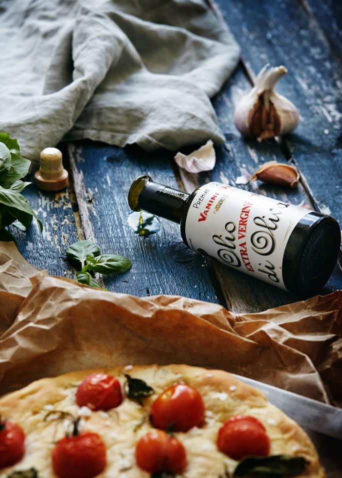 Italian olive oil packaging