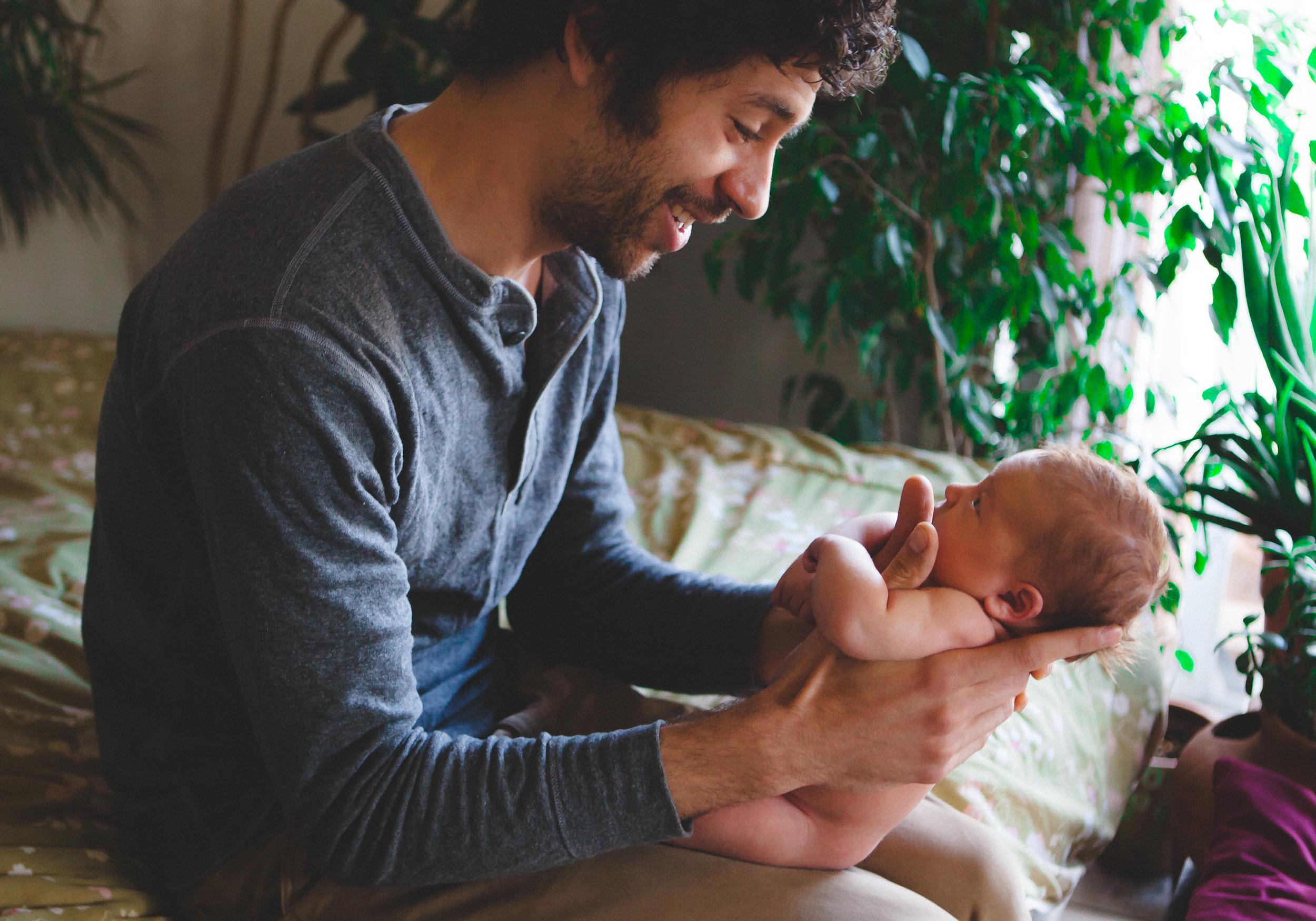 Lifestyle newborn shoot by alexi hubbell durango colorado photographer