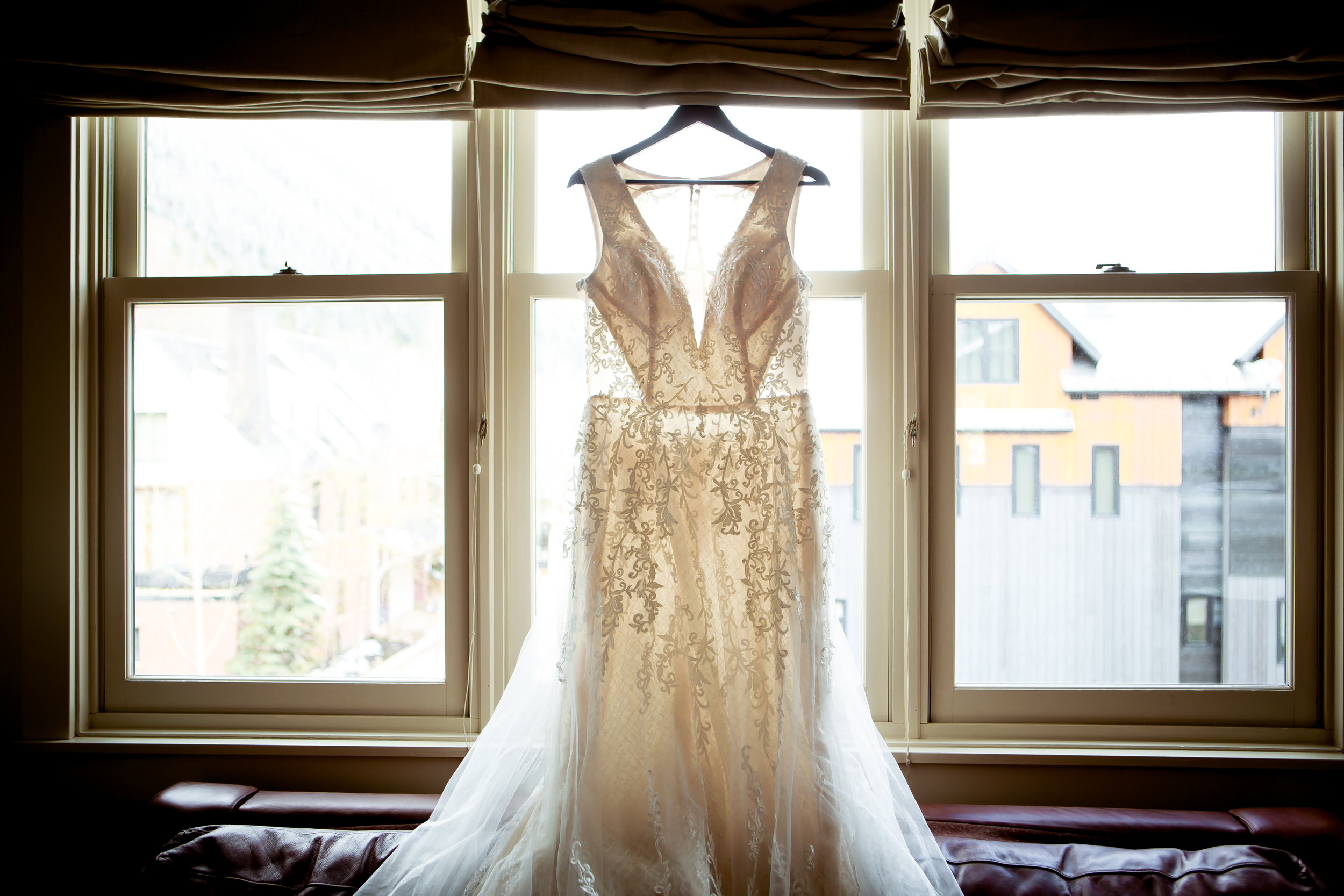 durango and telluride wedding photographer  Alexi Hubbell Photography  adventure wedding