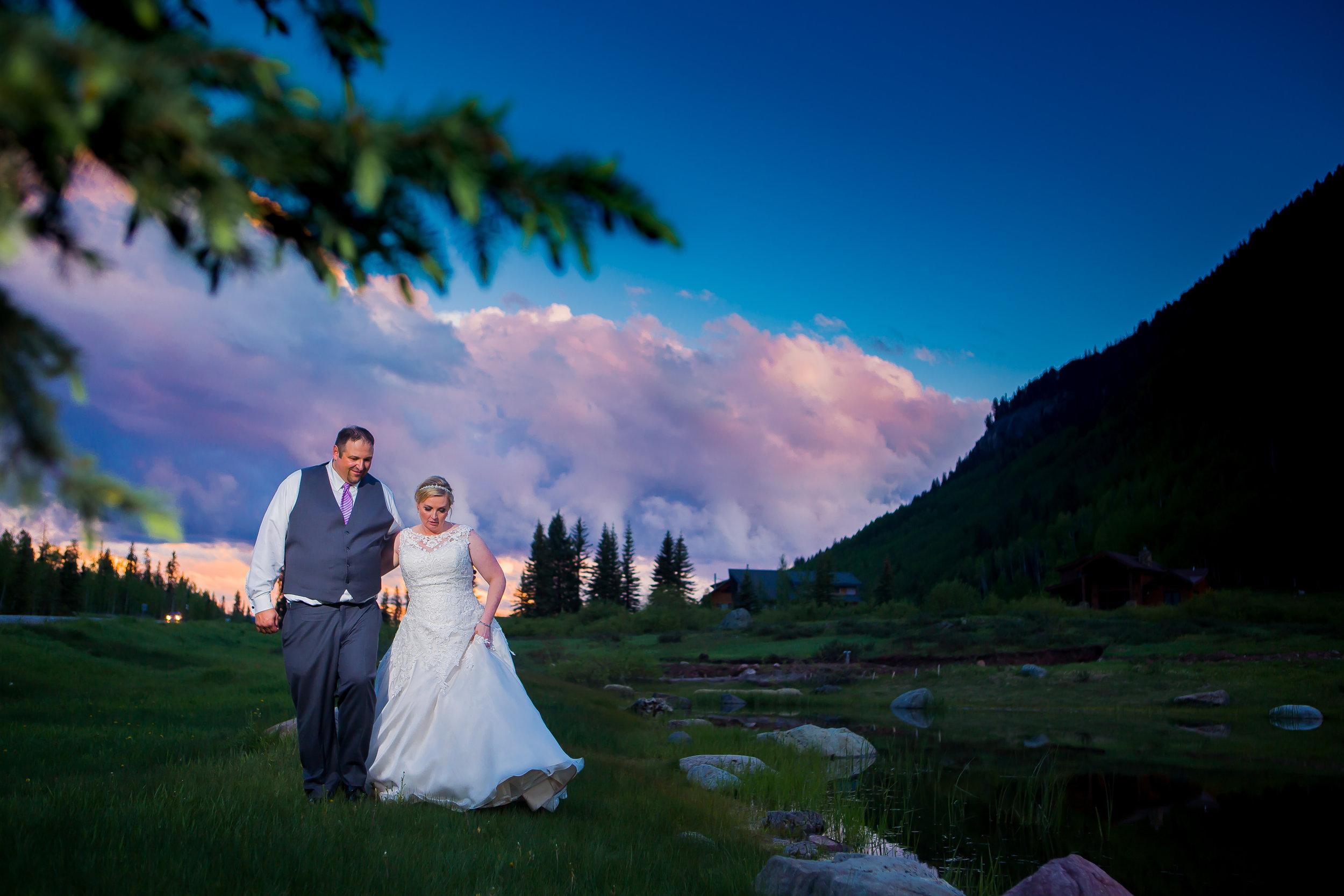 Cascade Wedding in the Rain: Elisa + Jim