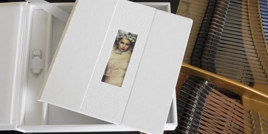 complete_album_box_white_lady_2.jpg