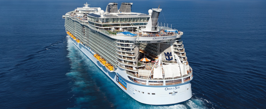 Oasis of the Seas from RC site rear view.jpg