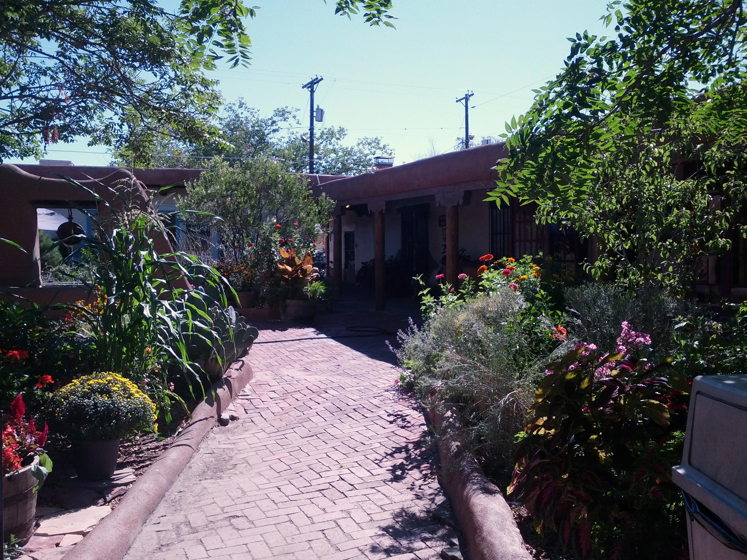 2013-09-20 Old Town Albuquerque (2).jpg