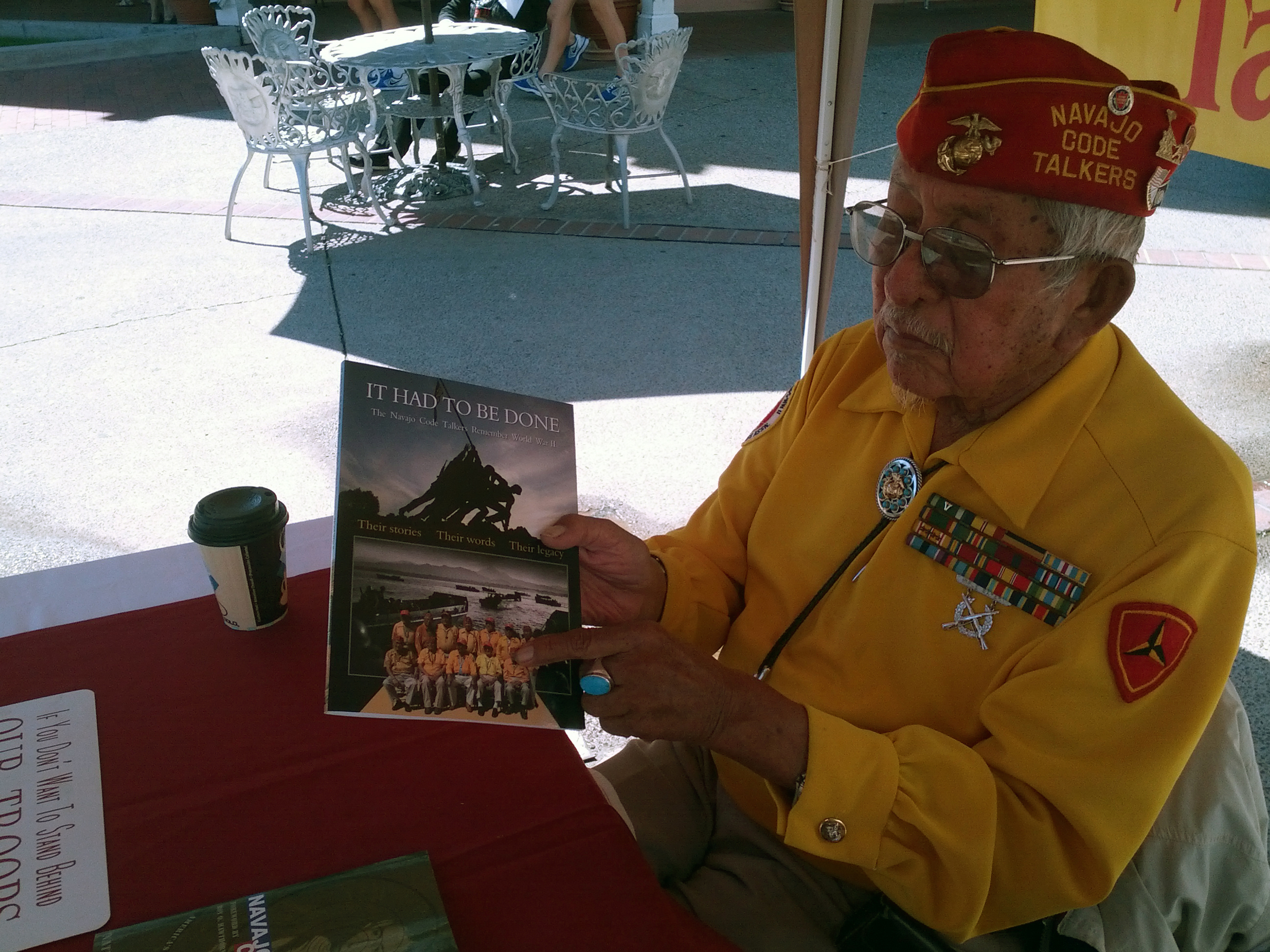 2013-09-20 Old Town Albuquerque (11) got to meet three of the remaining Navajo Code Talkers.jpg
