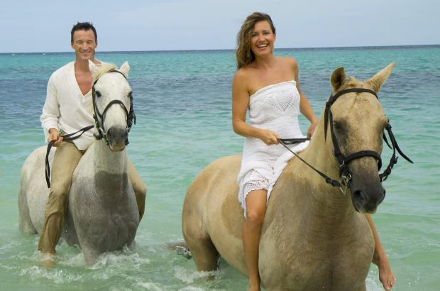 horseback_beach_riding_8307.jpg