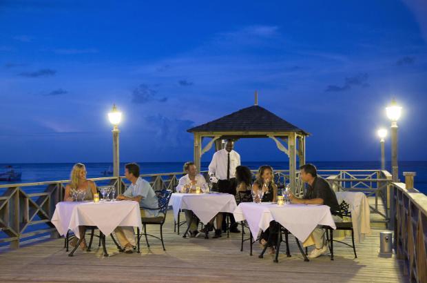 pier_dining_by_moonlight_3814.jpg