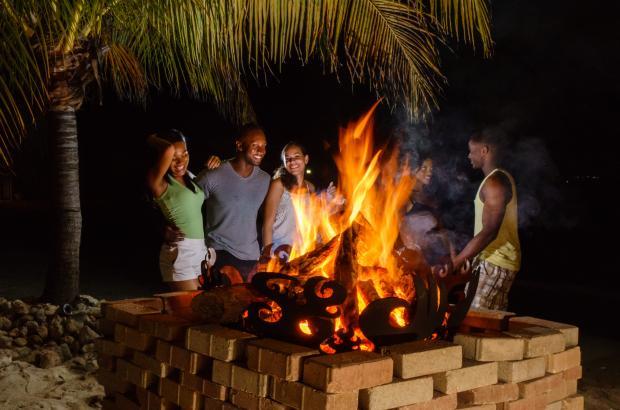 beach_bonfire_jm-1055.jpg