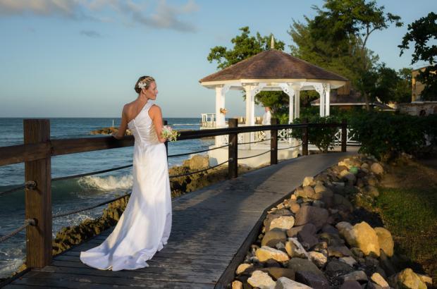 bride_on_boardwalk_2.jpg