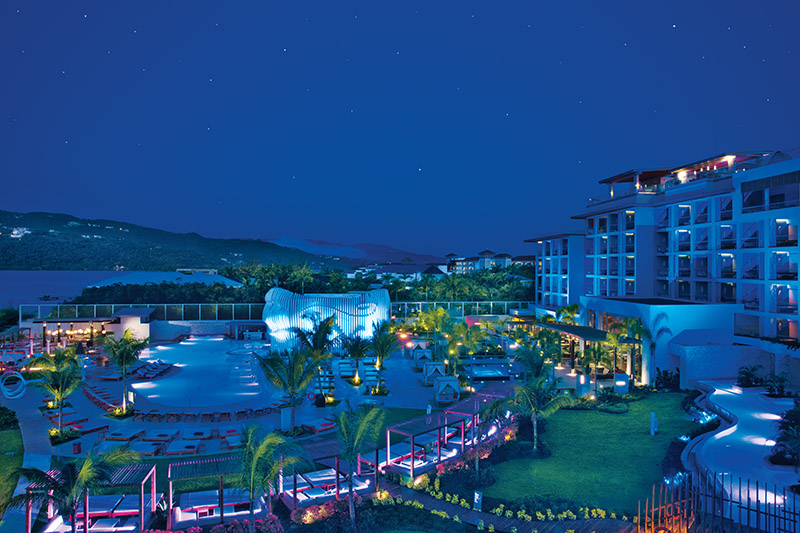 BREMB_Resort_Panoramic_Night_2A.jpg